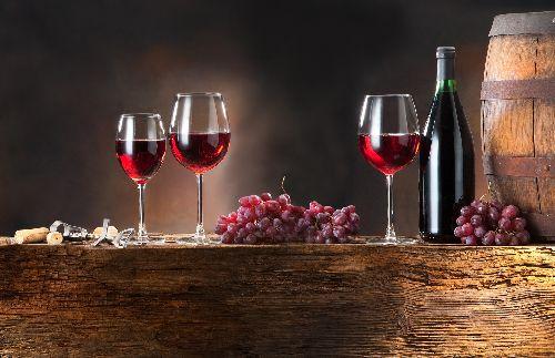 чаши, вино, грозде