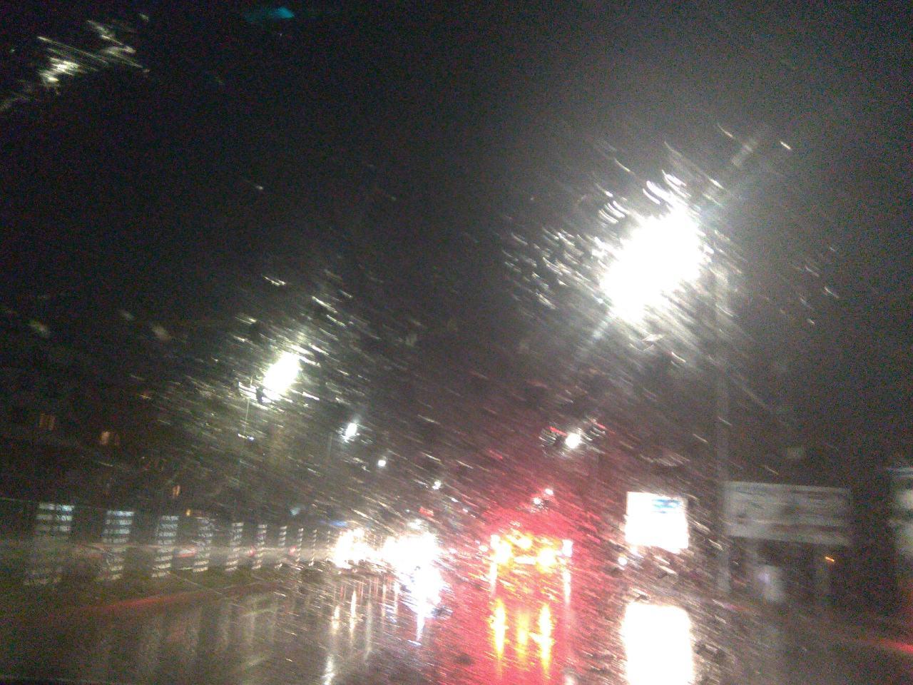 дъжд, път, вечер