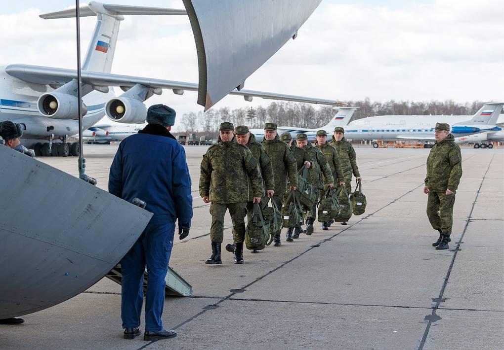 MOSCOW REGION, RUSSIA - MARCH 22, 2020: Loading medical equipment aboard planes of the Russian Aerospace Forces for sending it to the Italian regions worst hit by the COVID-19 coronavirus pandemic. Russian Defence Ministry/TASS Ðîññèÿ. Ìîñêîâñêàÿ îáëàñòü. Ïîãðóçêà ñðåäñòâ äëÿ áîðüáû ñ êîðîíàâèðóñîì â ñàìîëåòû ÂÊÑ Ðîññèè äëÿ îòïðàâêè ñ Èòàëèþ. Ìèíîáîðîíû ÐÔ/ÒÀÑÑ